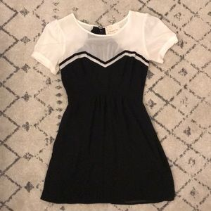 Adorable mini dress!